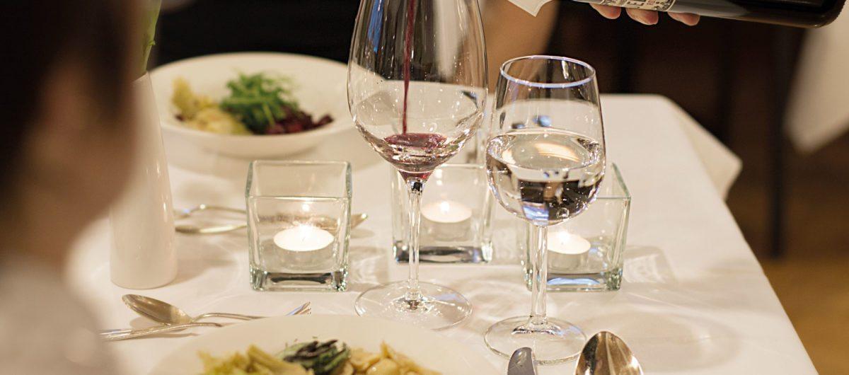 Weinservice hotel krone au