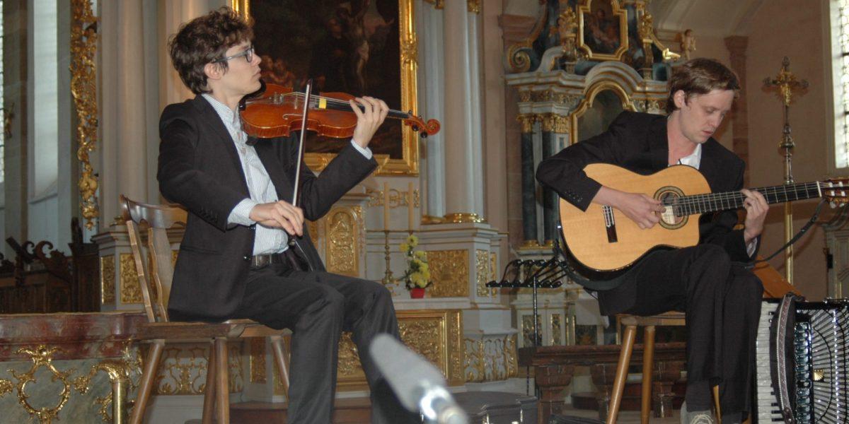 Kirchenkonzert in der Abteikirche mit Philipp Lingg und Christoph Mateka   Krone Au